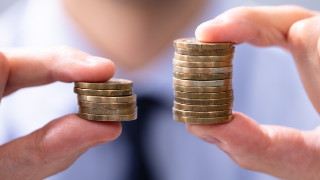 Superhrubá mzda skončila. Jak nechat ušetřené peníze vydělávat?